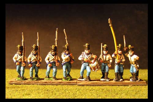 Hungarian infantry in shako marching (3 Command & 9 soldiers in 12 figure pack)
