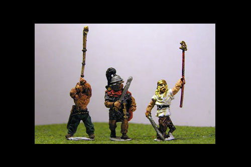 Infantry Command 2 Nobles in chain mail, Agen helmet, plume. 2 horn players, 2 standard bearers