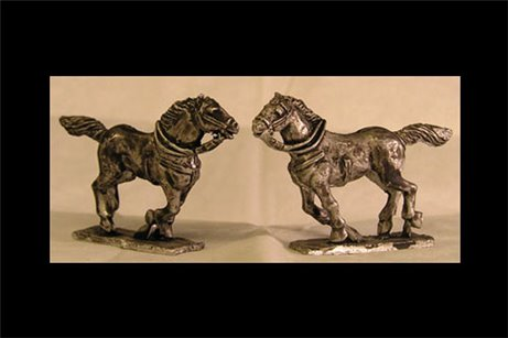 Galloping Horse Head looking left Tail up