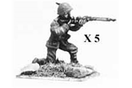 Alpini kneeling, firing