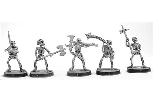 Skeleton Warriors with two handed weapons