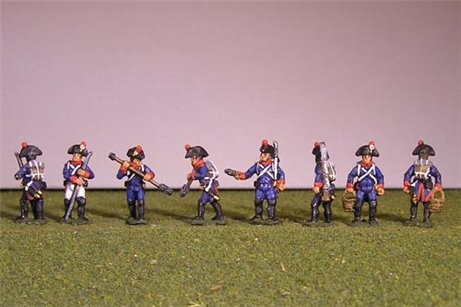 French artillerymen in Bicorne and long coats. (4 variants)