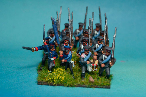 Prussian Reserve Infantry Marching in Caps with Command 12 figs