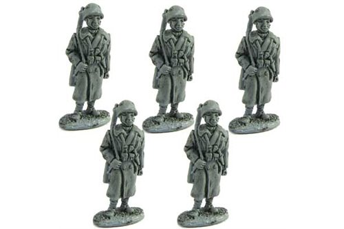 Infantymen of the line or artillerymen with overcoat, standing