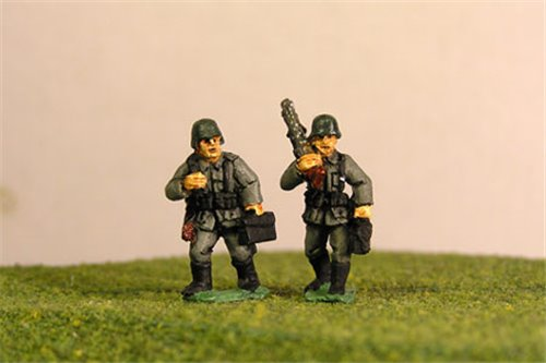 Early War German MG34 Light Machine Gun teams Walking