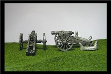 Cavalry Gun of 6lbs x 2 with two loose seats to designate cavalry guns or without seat for foot guns.