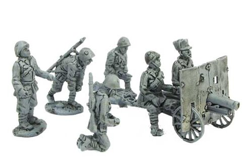 Artillery crew for 65/17 divisional cannon, in continental uniform