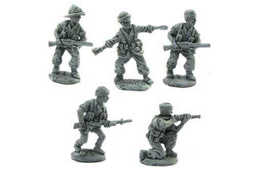 Parachutist of Folgore in different positions 3